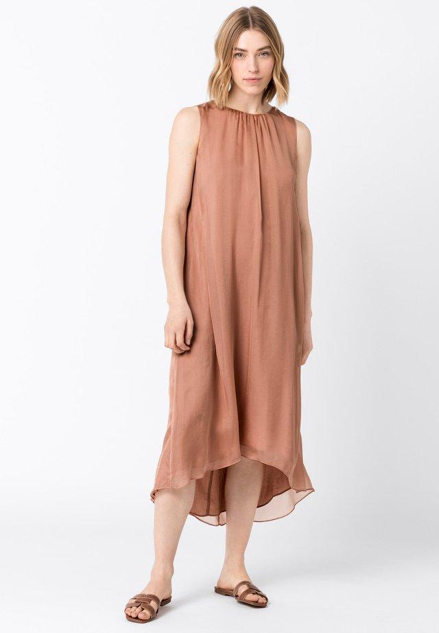 Korte jurk - rose gold