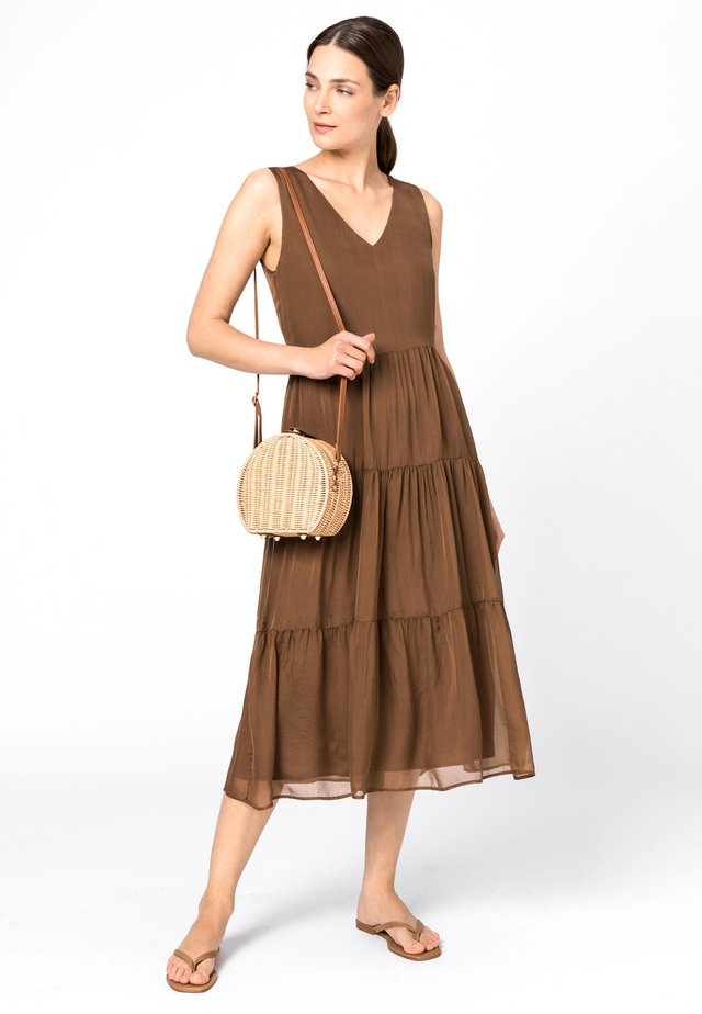 Day dress - noisette