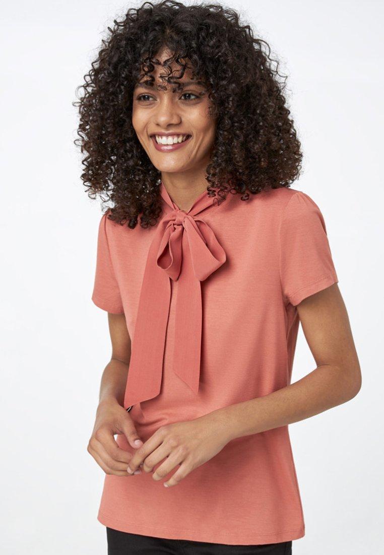 HALLHUBER - MIT SEIDENSCHLUPPE - T-Shirt basic - brown