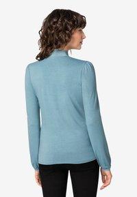 HALLHUBER - MIT SEIDENSCHLUPPE - T-shirt à manches longues - blue - 1