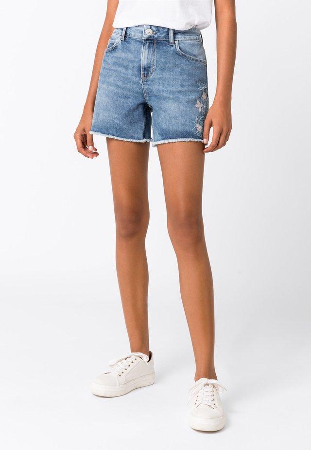 CANDIANI - Jeans Shorts - light blue denim