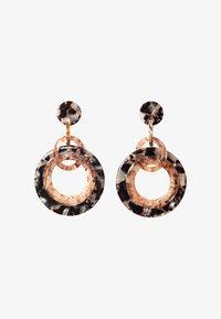 HALLHUBER - MIT RINGEN IN HORN-OPTIK - Earrings - black - 1