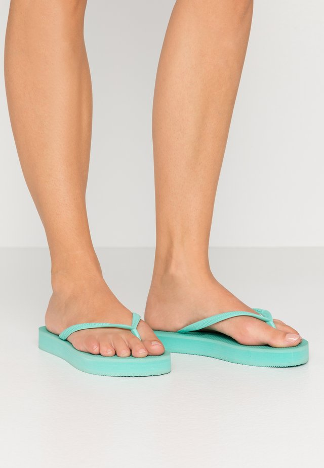 SLIM FIT FLATFORM - Pool shoes - green