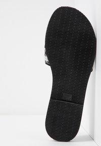 Havaianas - YOU TROPEZ FITA - Sandály s odděleným palcem - black - 6