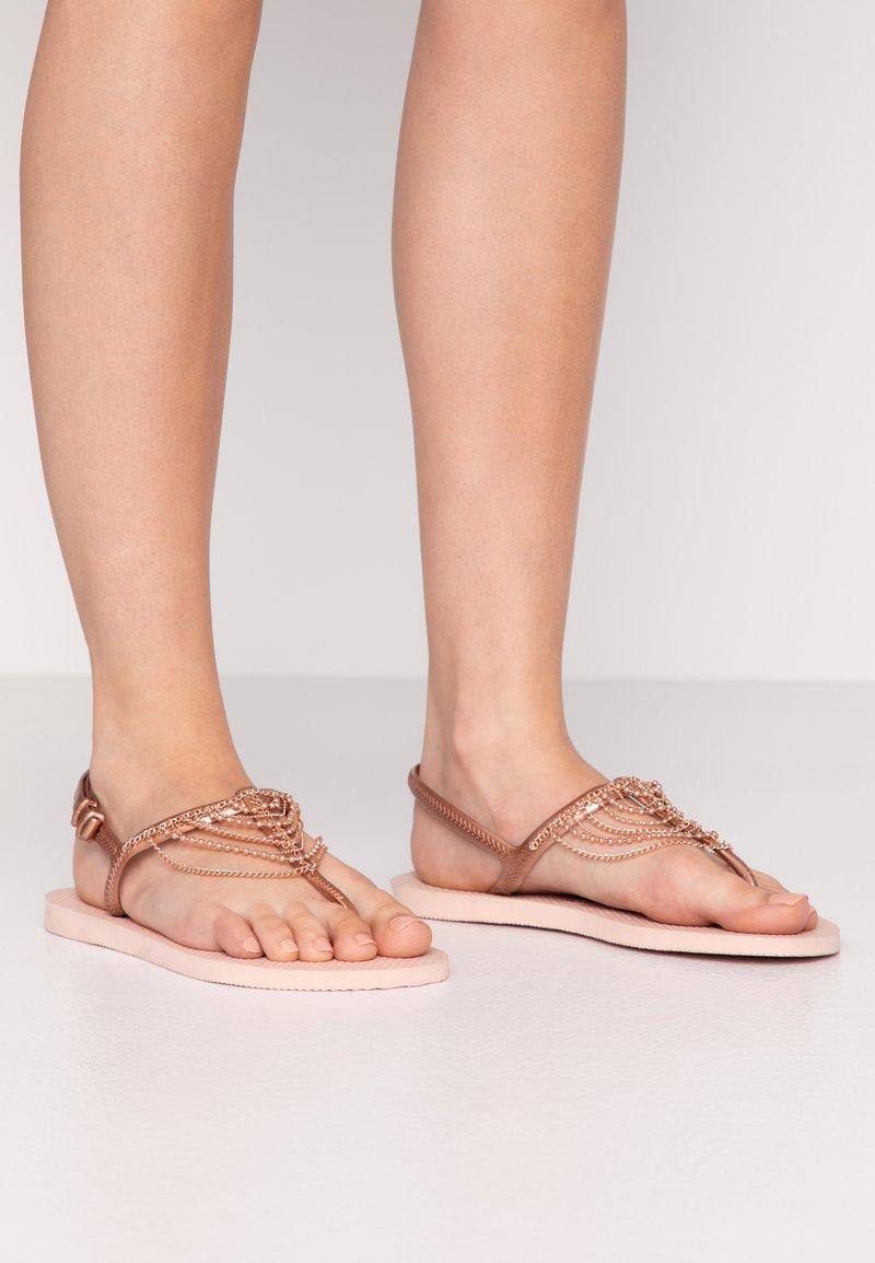 Havaianas - FREEDOM CHAINS - Sandaler m/ tåsplit - rose