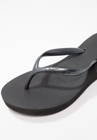 Havaianas - HIGH LIGHT - Pool shoes - black - 3