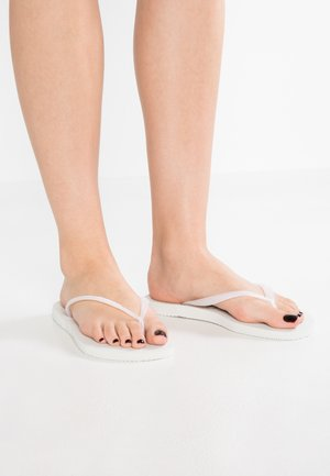 SLIM FIT - Teenslippers - white