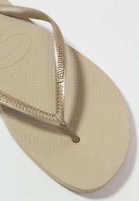 Havaianas - SLIM FIT - Pool shoes - sand grey/light gold - 2