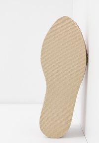 Havaianas - ORIGINE FLATFORM LOAFER - Loafers - rose - 6