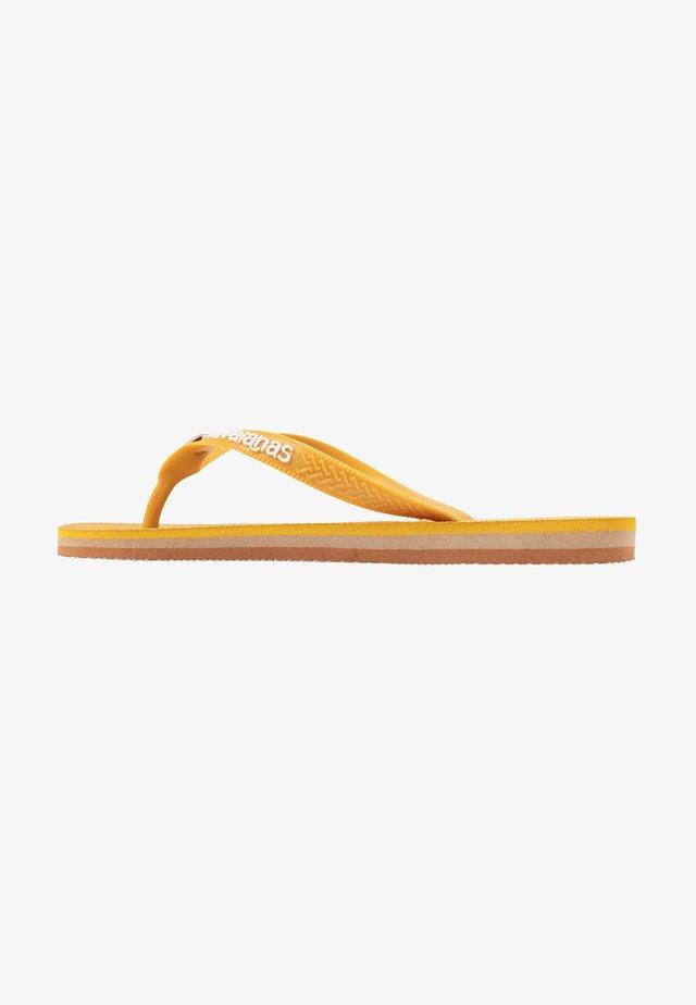 BRASIL LAYERS - Badsandaler - burned yellow