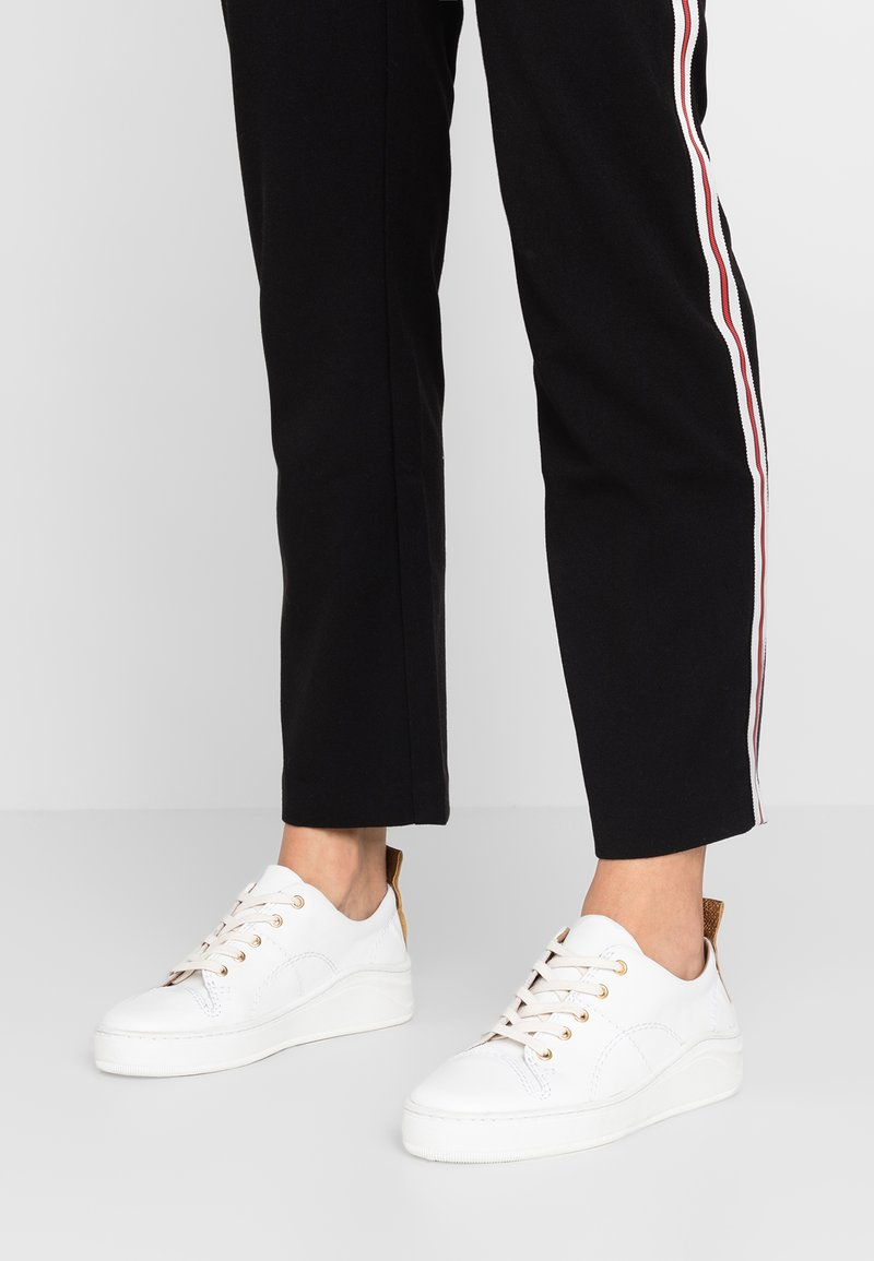 H by Hudson - SIERRA - Trainers - white