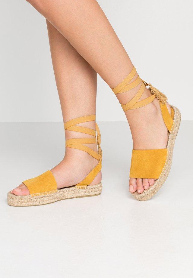 ANDREA - Espadrilky - mustard
