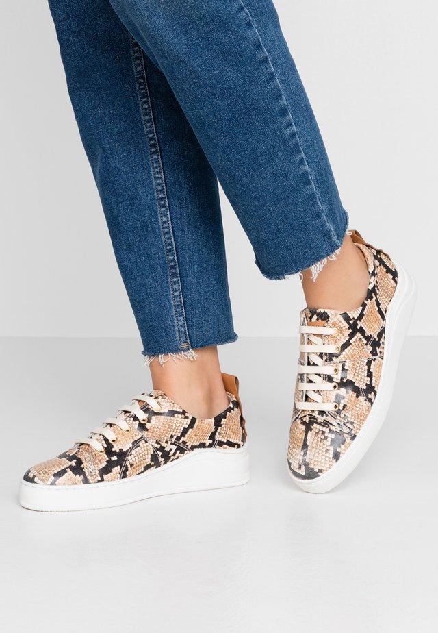 SIERRA - Sneakers - taupe