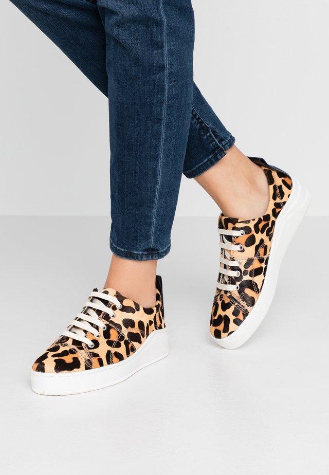 SIERRA - Sneakers laag - beige