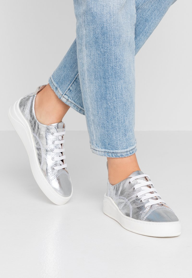 H by Hudson - SIERRA - Trainers - mirrorsilver