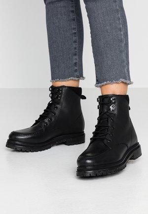 MARLOW - Šněrovací kotníkové boty - black