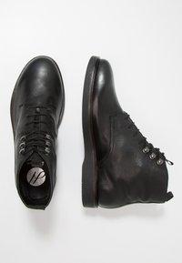 H by Hudson - BATTLE - Šněrovací kotníkové boty - black - 1