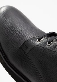 H by Hudson - XEROX CUFF BOOT - Bottines à lacets - black - 5