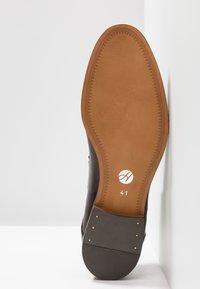 H by Hudson - CRAIGAVON - Eleganckie buty - brown - 4