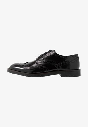 KARTER BROGUE - Lace-ups - black
