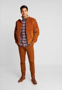 HARRINGTON - LIAM - Light jacket - caramel - 1