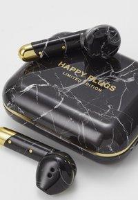 Happy Plugs - AIR 1 TRUE WIRELESS HEADPHONES - Høretelefoner - black - 4