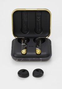 Happy Plugs - AIR 1 TRUE WIRELESS HEADPHONES - Høretelefoner - black - 3