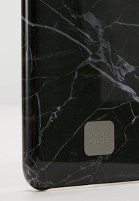 Happy Plugs - HAPPY PLUGS IPHONE X SLIM CASE - Mobiltasker - black marble - 2