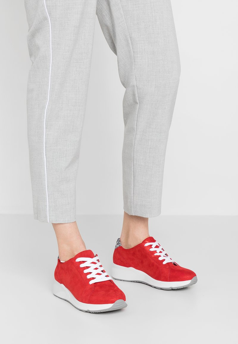 HASSIA - WIDE FIT VALENCIA - Sneaker low - red/stone