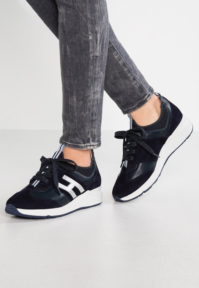 HASSIA - WIDE FIT VALENCIA - Sneakers basse - blue/ocean
