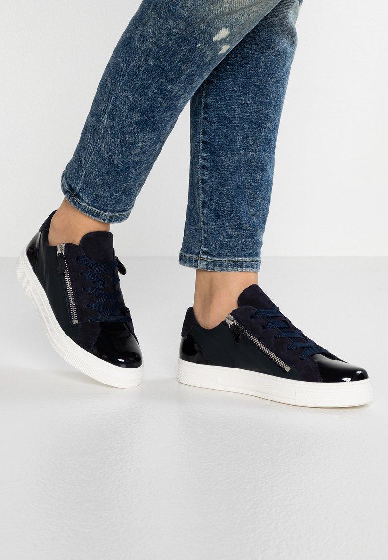 HASSIA - WIDE FIT BILBAO - Sneaker low - ocean