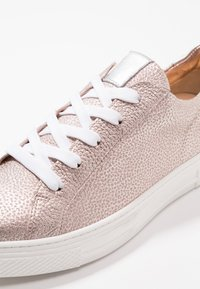 HASSIA - WIDE FIT BILBAO - Sneaker low - rose/silber - 2