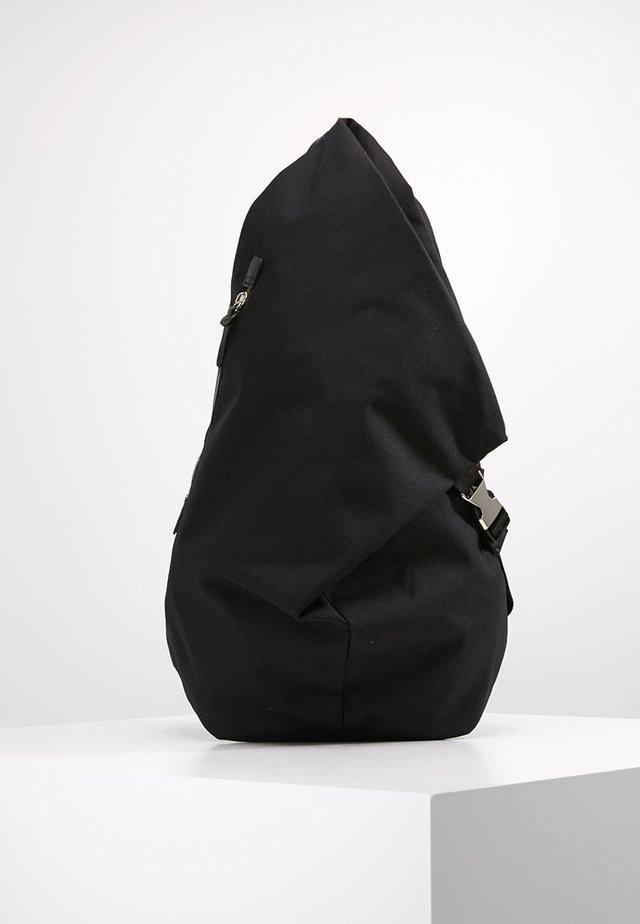 TAKA - Rugzak - black