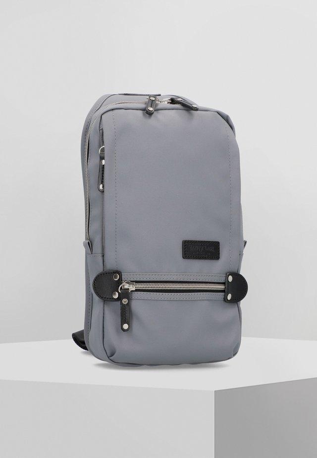 KURO 19 CM - Across body bag - grey