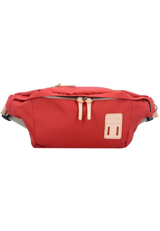 TOKACHI  34 CM - Bum bag - red
