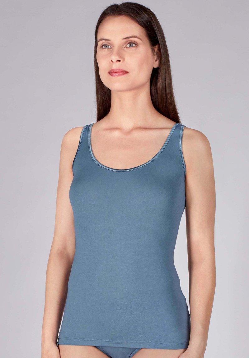 Huber Bodywear - MIT FEINEM RUNDHALSAUSSCHNITT - Undershirt - blue mirage