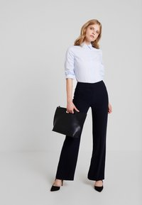 Hobbs - MINA TROUSER - Pantalones - navy - 2