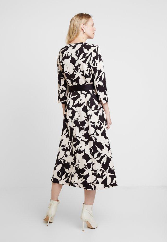SANDRA DRESS - Koktejlové šaty/ šaty na párty - black stone