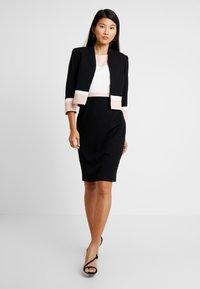 Hobbs - LEAH DRESS - Etuikjoler - black/pink - 2
