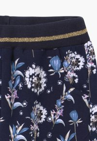 Hust & Claire - THILDE - Tracksuit bottoms - dark blue - 3