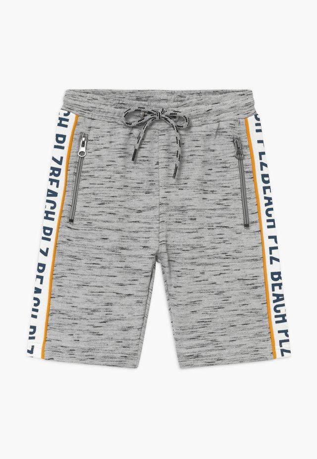 HELGE BERMUDA - Pantalon de survêtement - pearl grey