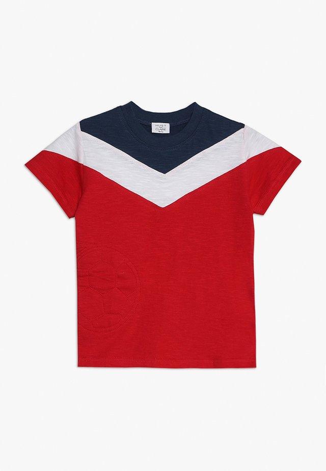 ARTHUR - Print T-shirt - red patrol