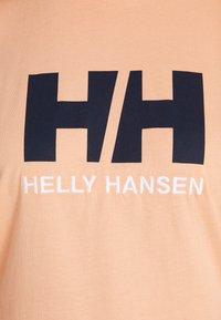 Helly Hansen - LOGO - T-shirts print - melon - 4