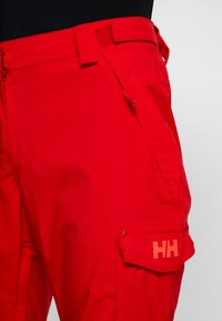Helly Hansen - SWITCH CARGO 2.0 PANT - Snow pants - alert red - 5