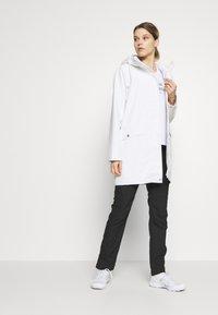 Helly Hansen - MOSS RAIN COAT - Waterproof jacket - offwhite - 1