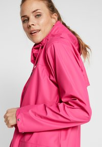 Helly Hansen - MOSS RAIN COAT - Waterproof jacket - dragon fruit - 3