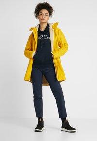 Helly Hansen - MOSS INS COAT 2-IN-1 - Sadetakki - essential yellow - 1