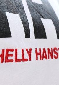 Helly Hansen - LOGO - T-shirt med print - white - 5