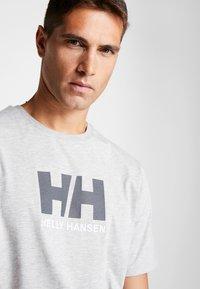 Helly Hansen - LOGO - Print T-shirt - grey melange - 4