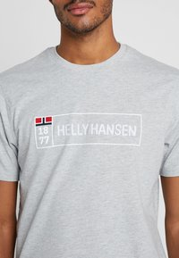 Helly Hansen - T-shirt imprimé - grey melange - 5